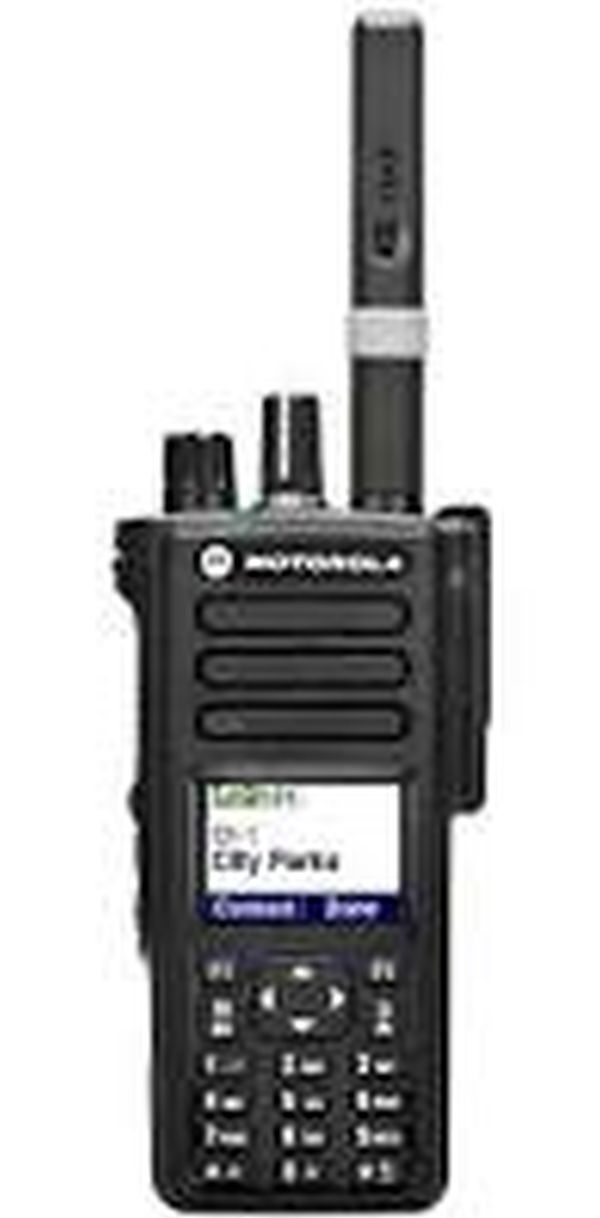 Портативная радиостанция Motorola DP 4800 (носимая радиостанция 136 - 174 МГц, 1000 кан. цв.дисп., клав.; (упаков. по 20 шт без индив. упаковки)) Motorola MDH56JDN9JA1ANB